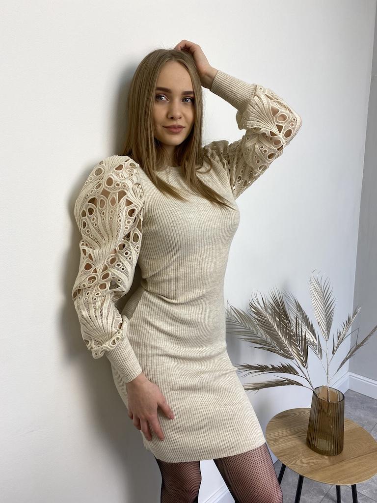 Платье  трикотажное до колена